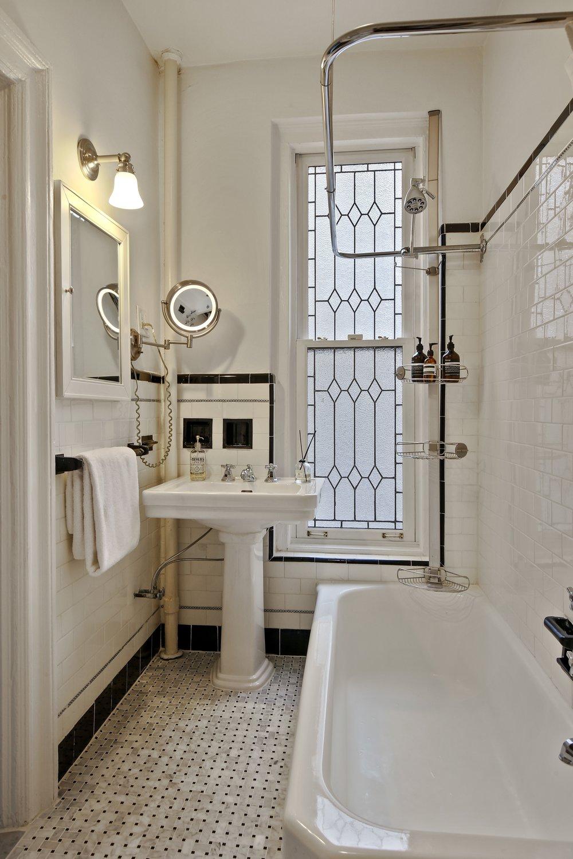 8_38LivingstonStreet_21_8_Bathroom_HiRes.jpg