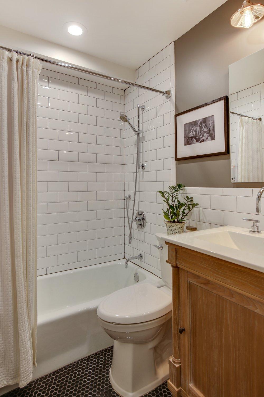 09_88thAvenue_6_8_Bathroom_HiRes.jpg