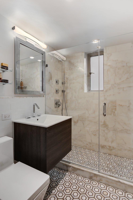 7_60RemsenStreet_3H_8_Bathroom_HiRes.jpg
