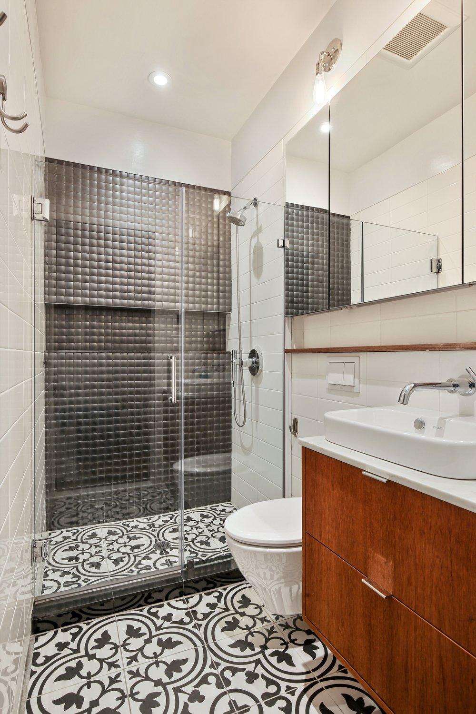 10_905UnionStreet_4_8_Bathroom_HiRes.jpg