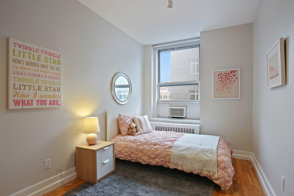 12_75LivingstonStreet_5C_154_3rdBedroom_HiRes.jpg