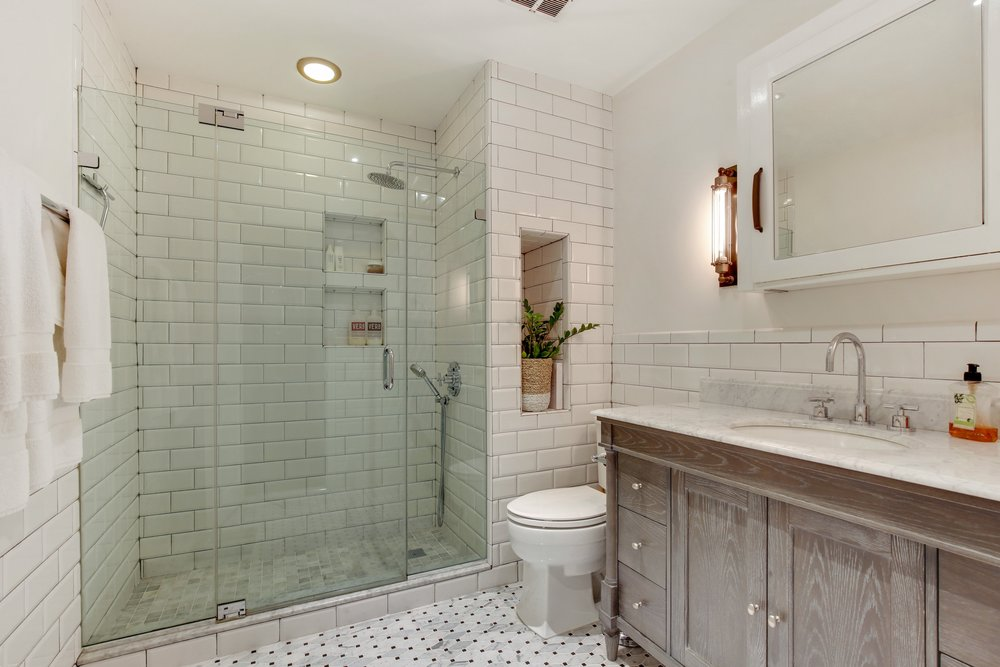 06_88thAvenue_6_13_MasterBathroom_HiRes.jpg