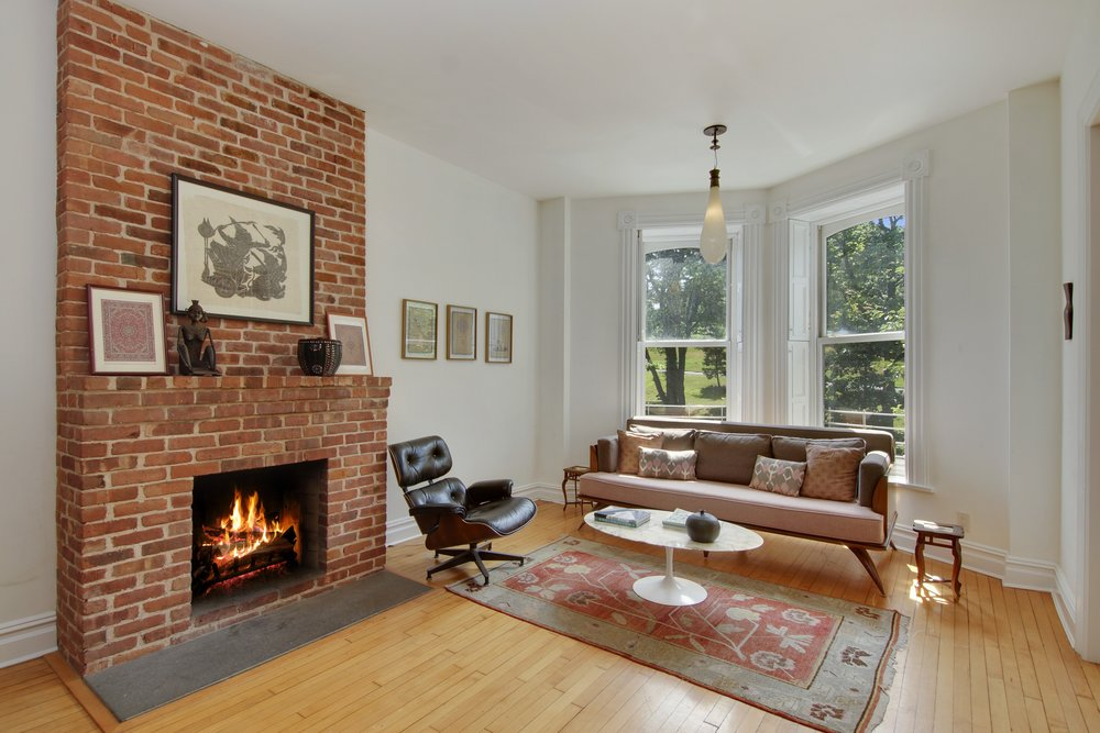 01_163WashingtonPark_2_1_LivingRoom_HiRes.jpg