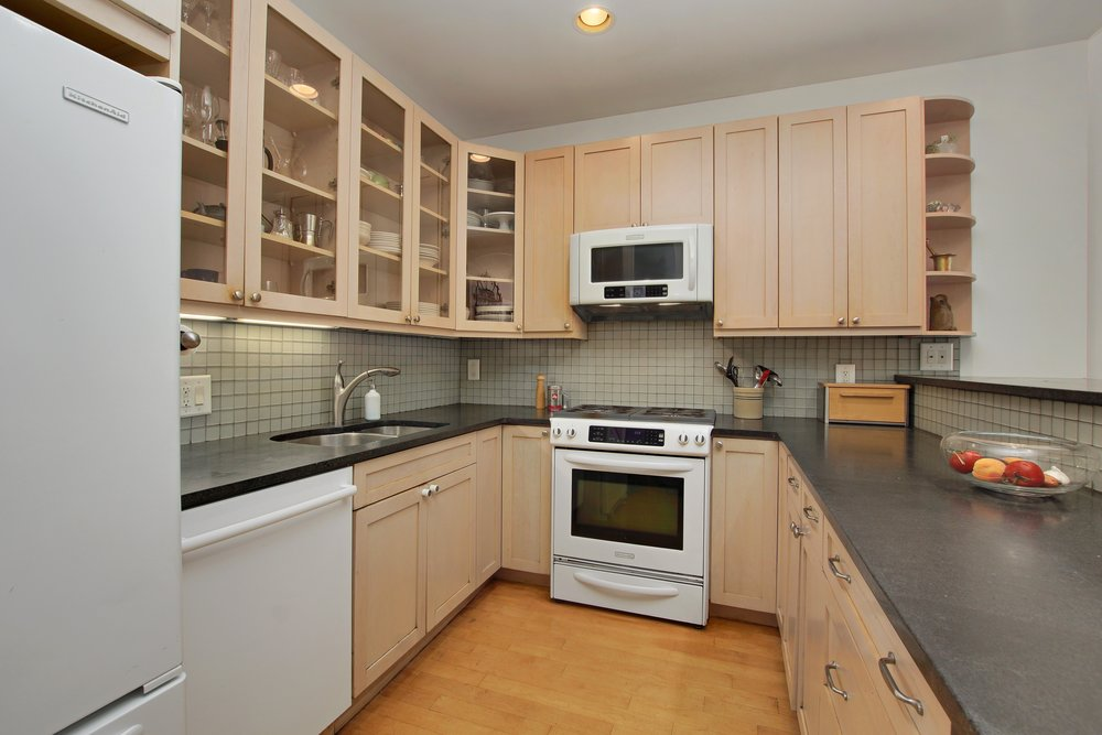 05_163WashingtonPark_2_5_Kitchen_HiRes.jpg