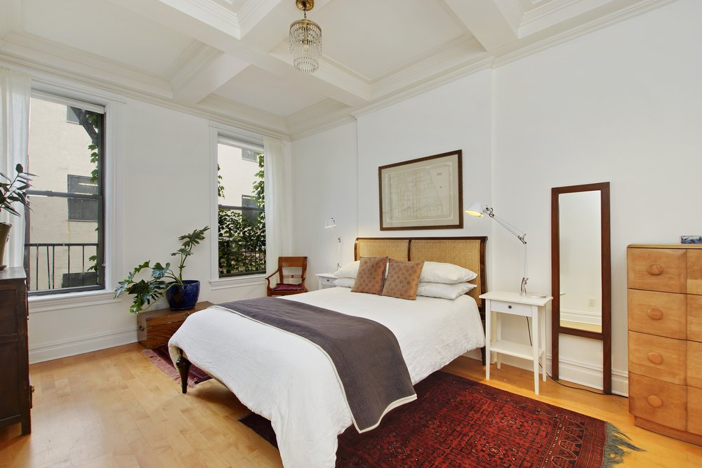 07_163WashingtonPark_2_14_MasterBedroom_HiRes.jpg