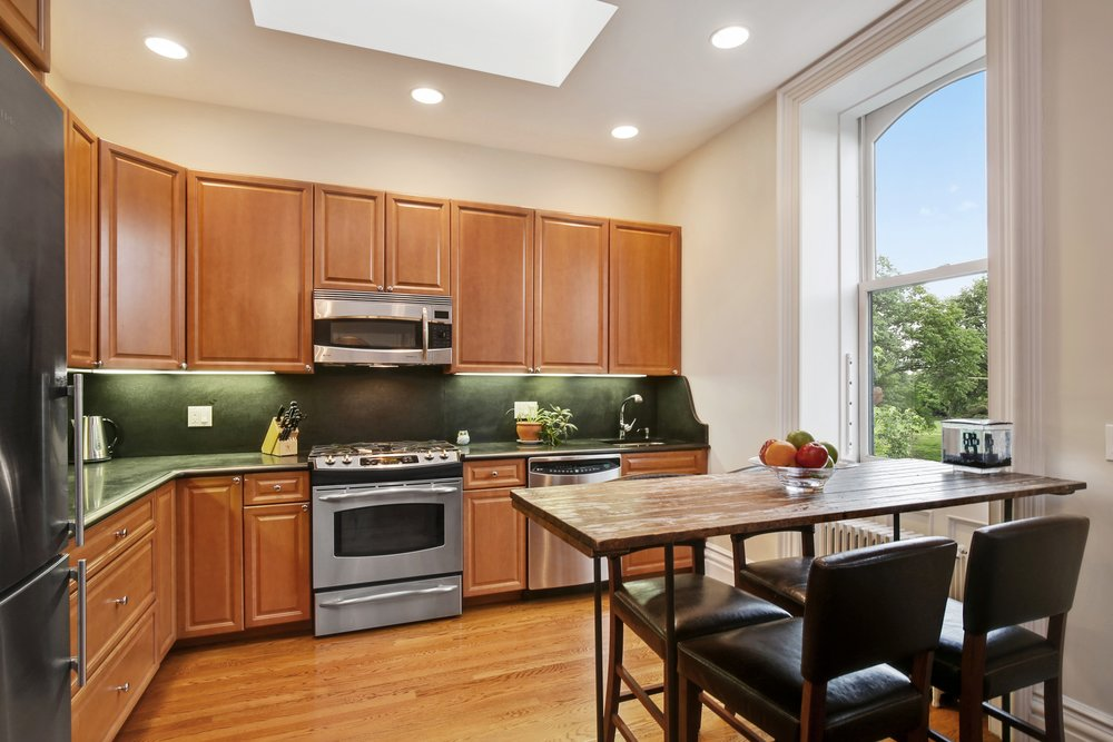 5_4SouthPortlandAvenue_5_5_Kitchen_HiRes.jpg