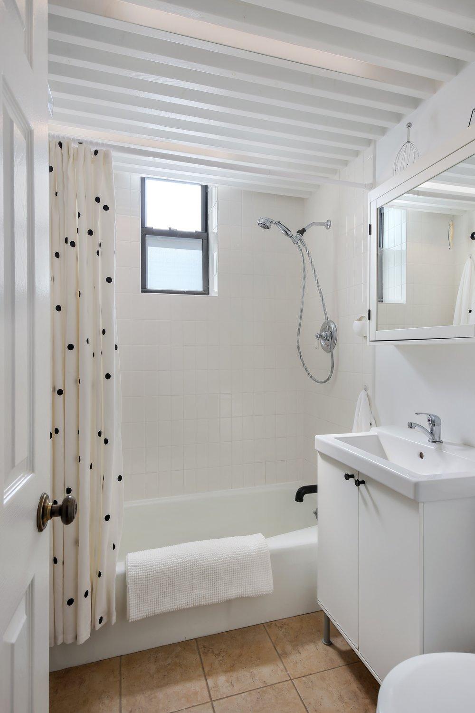 06_430SterlingPlace_4D_8_Bathroom_HiRes.jpg