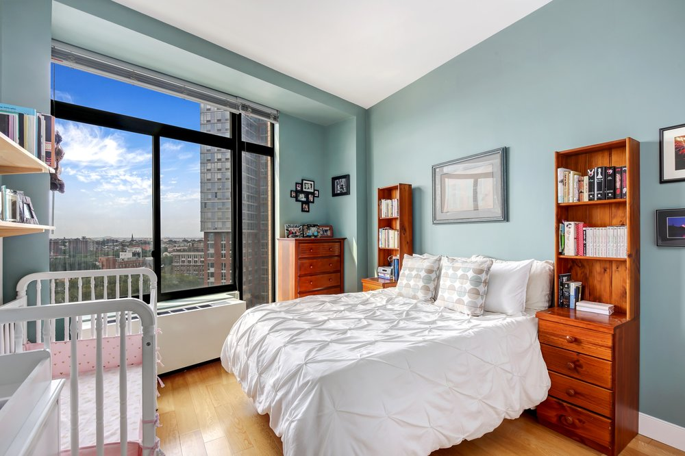 5_96RockwellPlace_10A_18_Bedroom_HiRes.jpg