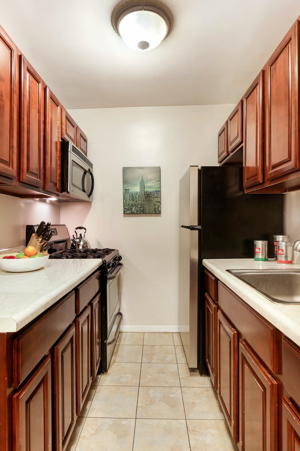4_599East7thStreet_1D_5_Kitchen_HiRes.jpg