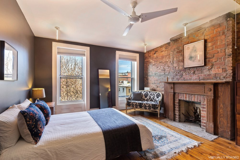 18_151WilloughbyAve_14_MasterBedroom_HiRes.jpg