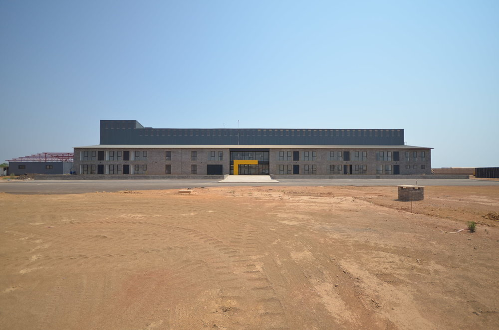 MK_MCK-Truck Depot_Entrance 05.JPG