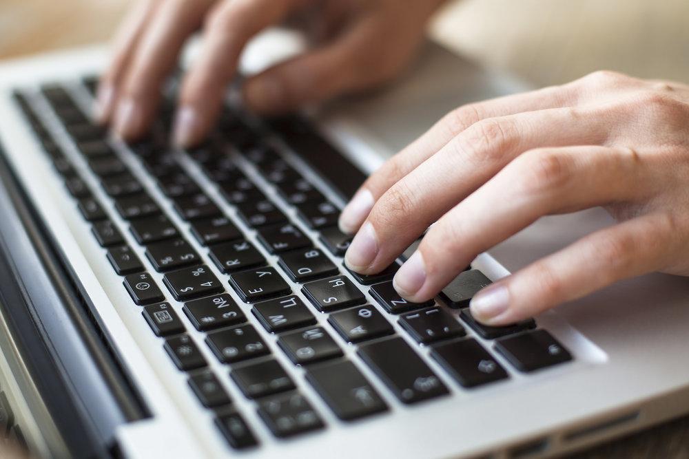 hands-on-keyboard-smart-marketing