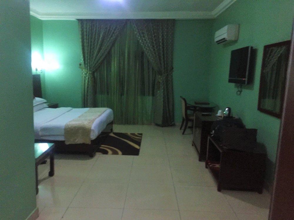 QUARTER HOUSE HOTEL KADUNA | The Ajala Bug