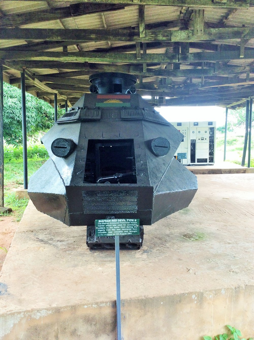 """Locally fabricated weapons with the Biafran map. That's Biafra radio at the back which Ojukwu used in communicating called  shortwave radio """"the Voice of Biafra"""""""