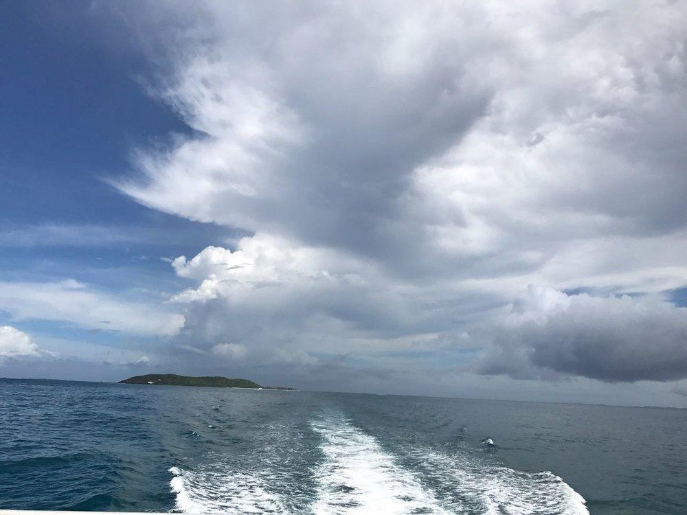 Ferry leaving isla palomino