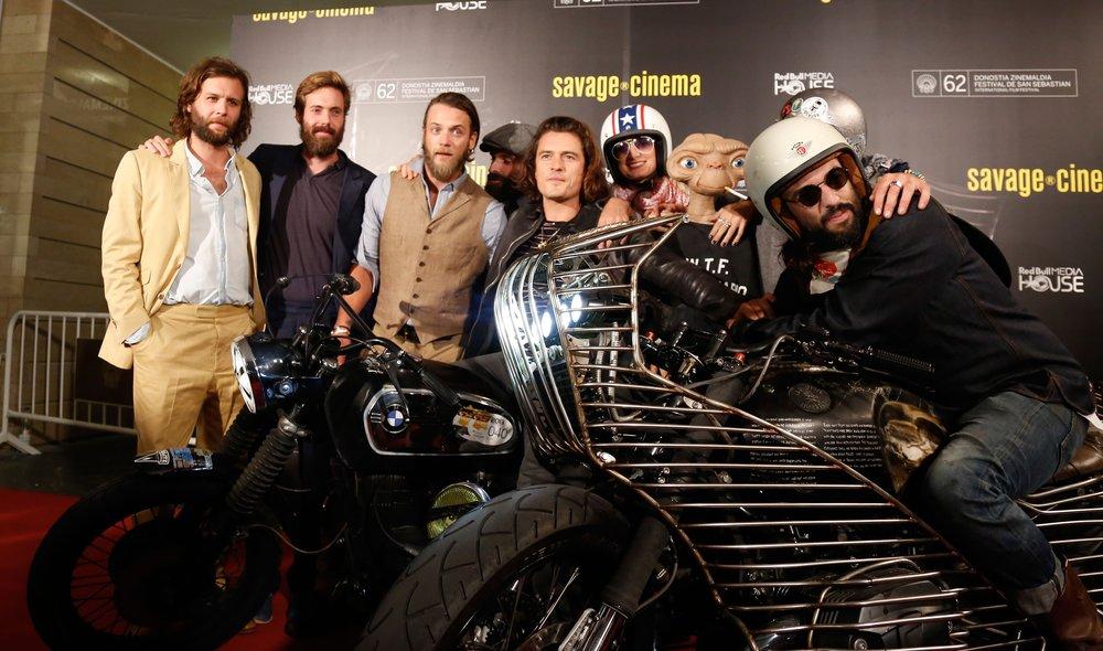 Photocall  The Greasy Hands Preachers  con su productor, Orlando Bloom. Festival San Sebastián, Savage Cinema.