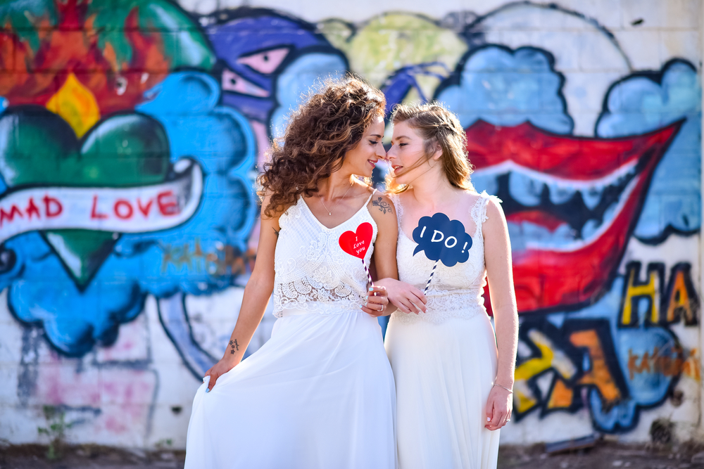 Lesbian couple get married.jpg