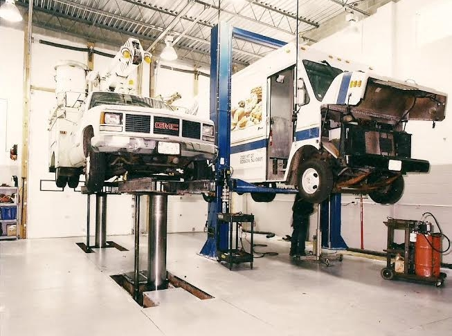 Truck & Fleet Services - Whether you own one commercial truck or a fleet of one-hundred, Dial Transmission has the facility and staff to handle any truck or van up to 36,000 lbs.We know how important is it to get you livelihood back on the road.