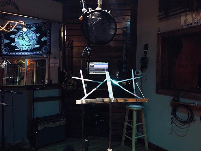 Back in the studio ✨🎸