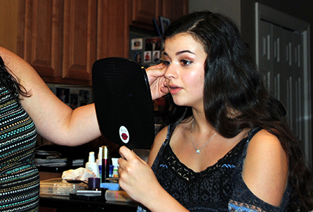 Teen Workshop - Let's address those makeup application flaws before they become bad habits. Learn age appropriate application tips to take you from movies with your friends to prom.