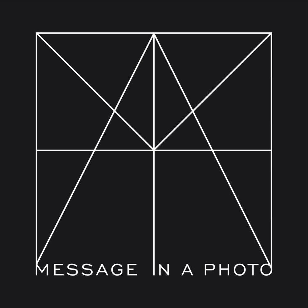 MiaP-logo-wit-op-zwart-40x40-cm-1024x1024.jpg
