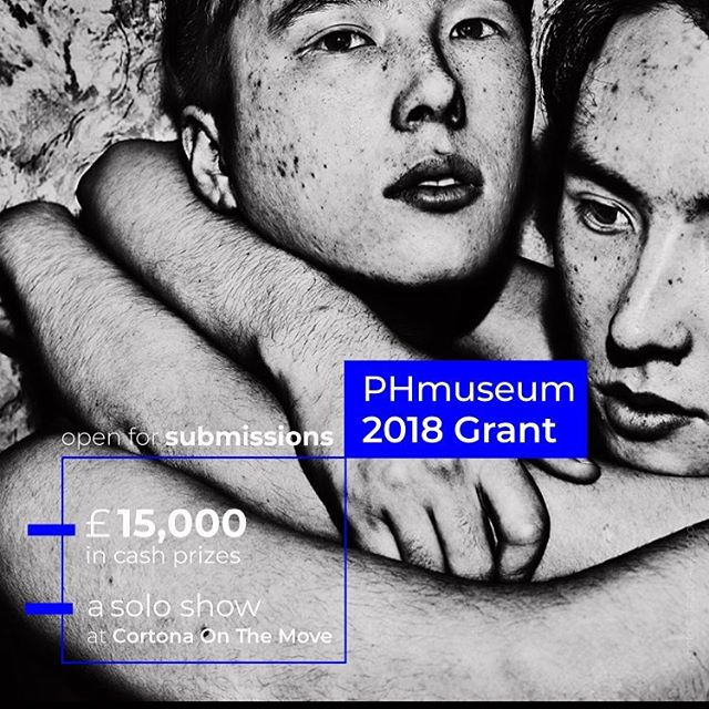 APPLY!!! Our partners THE @phmuseum 2018 GRANT IS NOW OPEN FOR SUBMISSIONS!! 🎊 phmuseum.com/grant --- £15,000 in cash prizes, a solo exhibition at Cortona On The Move, features on World Press Photo's Witness, projections at @justanotherphotofestival and Cortona OTM, and a mentorship program for a photographer under 30 with acclaimed educator @maggiesteber are among the prizes of our annual grant, aimed at supporting the production and promotion of visual stories. --- The prizes and honorable mentions will be awarded by an international jury featuring @monica.allende , Roger Ballen, @genevievelizabeth and Emilia Van Lynden. The exhibition at @cortonaotm will be assigned by the festival artistic director Arianna Rinaldo . --- EARLY BIRD DEADLINE: 30 January FINAL DEADLINE: 21 February --- Learn more and apply at phmuseum.com/grant --- Photo courtesy of Jacob Aue Sobol