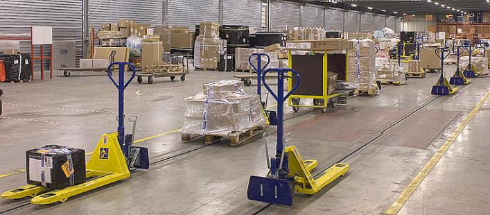 etow-concepts-pallet-truck-transport.jpg
