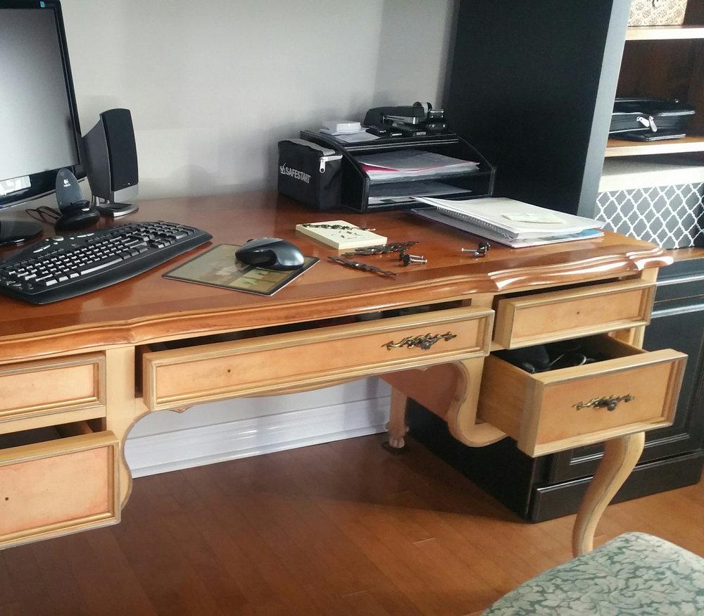 1d Desk.jpg