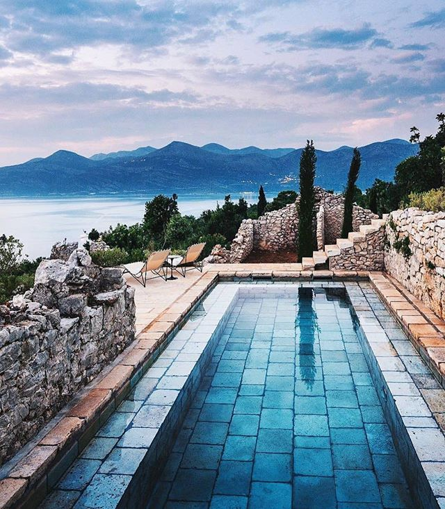 A pool with a view 😻 by David Kelly