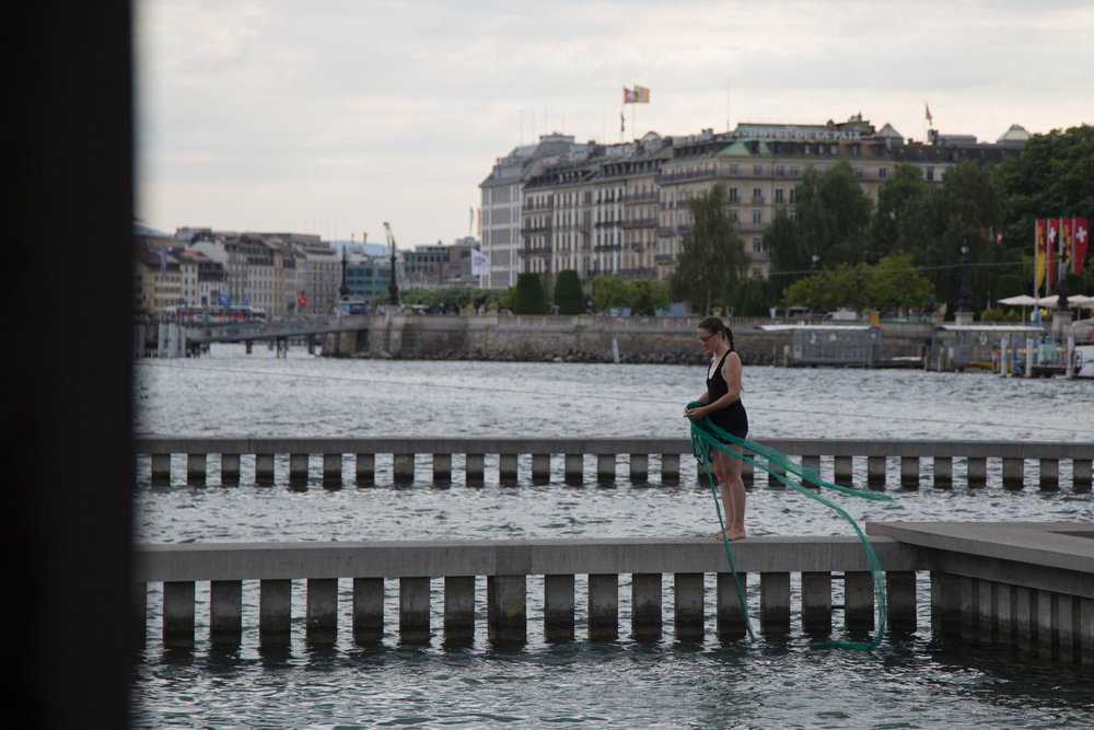 Performance_Risa-Horn_Bains-des-Paquis_IMG_7787_Marie-de-Lutz.jpg