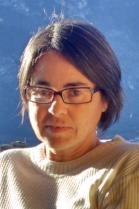 ROSSANA DIODATO  lavora nel campo del software per telecomunicazioni, ha due bambine. E' la referente per l'associazione nella Rete Intrecci del Comune di Trento.
