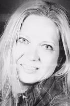MARIALUCIA ARMANINI  Marialucia Armanini, coordinatrice servizi educativi domiciliari e formatrice presso la Cooperativa Kaleidoscopio è stata la promotrice del progetto che ha portato alla costituzione dell'associazione. Mamma di Patrick e Ian, collabora con l'associazione dall'esordio.