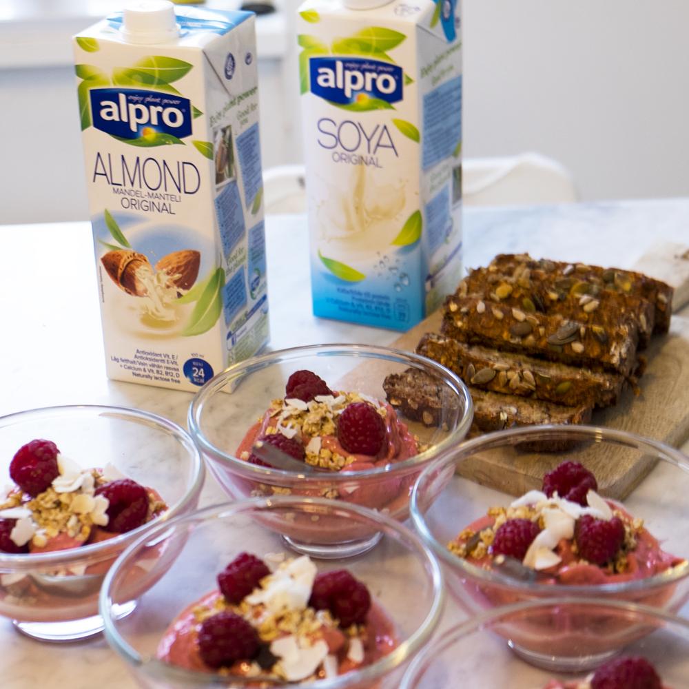ALPRO - Jag hade en brunch för mina vänner och bjöd på alpros produkter.