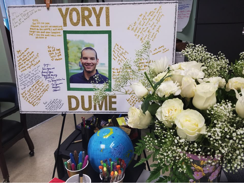 Students and faculty write their final thoughts to Yoryi on a board dedicated to his memory. Picture courtesy of the Office of Prestigious Awards.