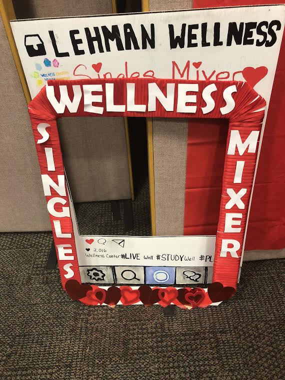 A Single Mixer's picture frame made by coordinators of the event that attendees could take pictures with. Photo by Shaiann Frazier.