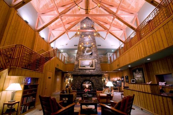 golf house lobby.jpg