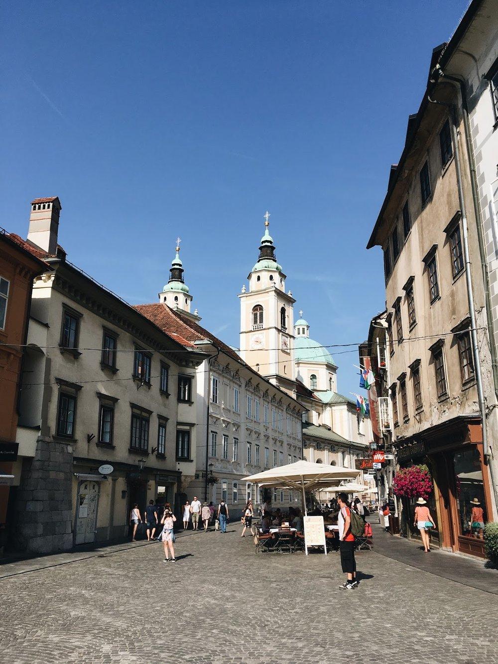 expensive-reality-luka-lajic-smart-travel-ljubljana-slovenia+%25289%2529[1].JPG