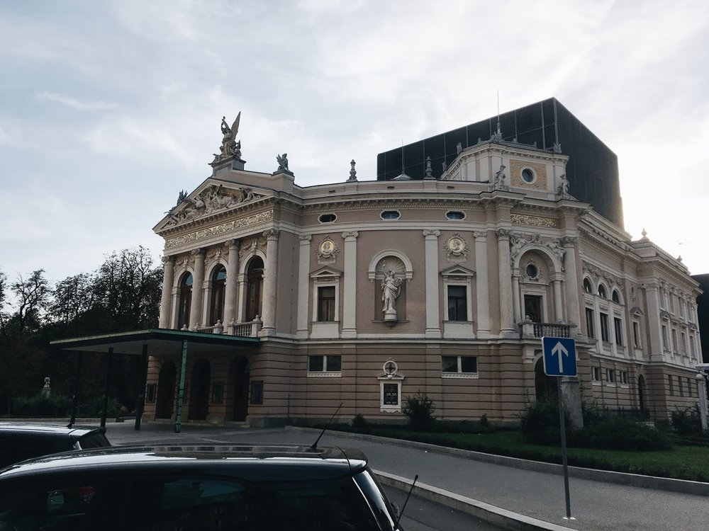 expensive-reality-luka-lajic-smart-travel-ljubljana-slovenia+%25281%2529[1].JPG