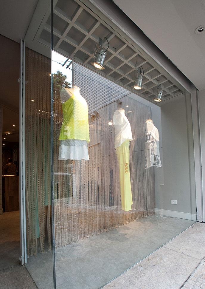 JulianaFabrizzi_adriana-praca-loja-vitrine.jpg