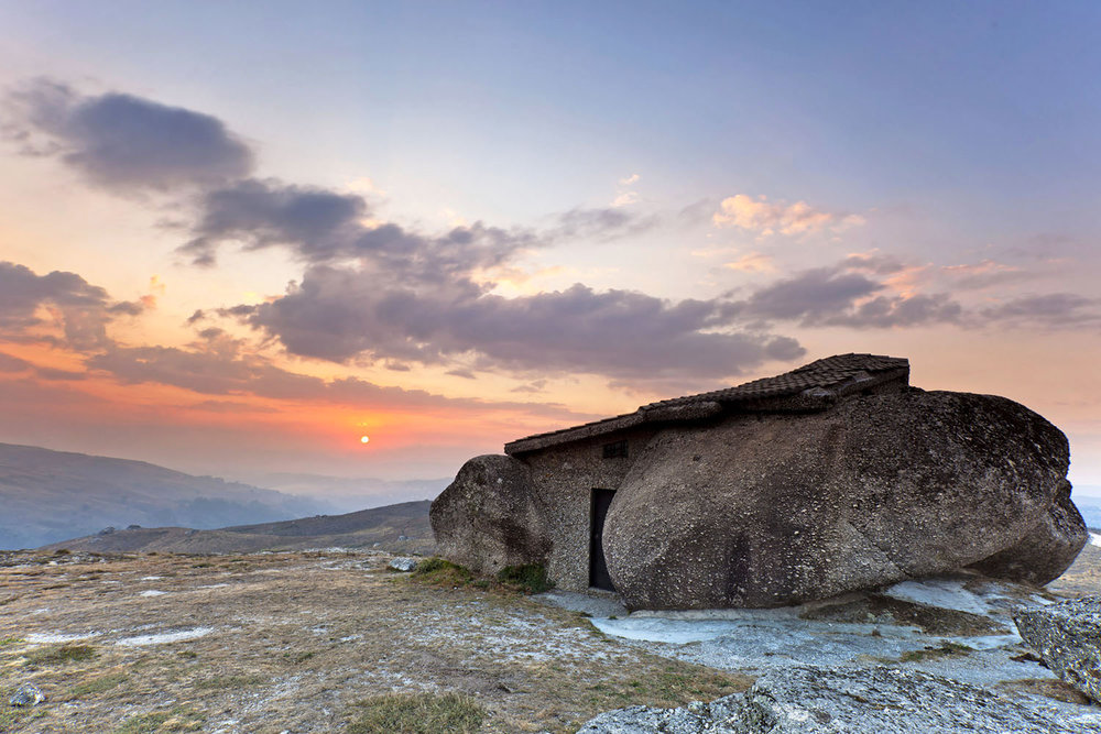 Flinstone's House, Portugal