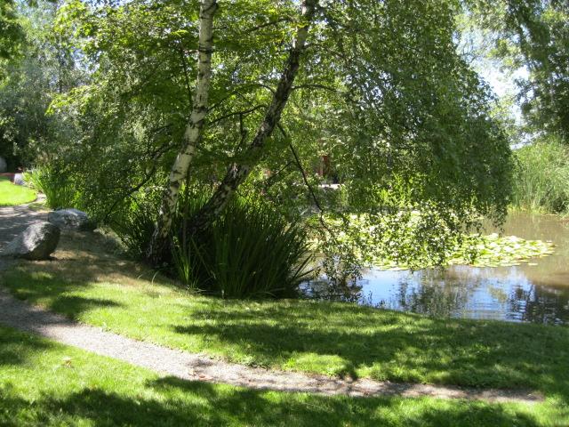 Outside Hidden Springs Wellness Center, Ashland, Oregon