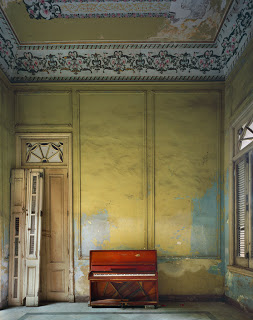 med_07-eastman_red-piano-havana_lrg-jpg1.jpg