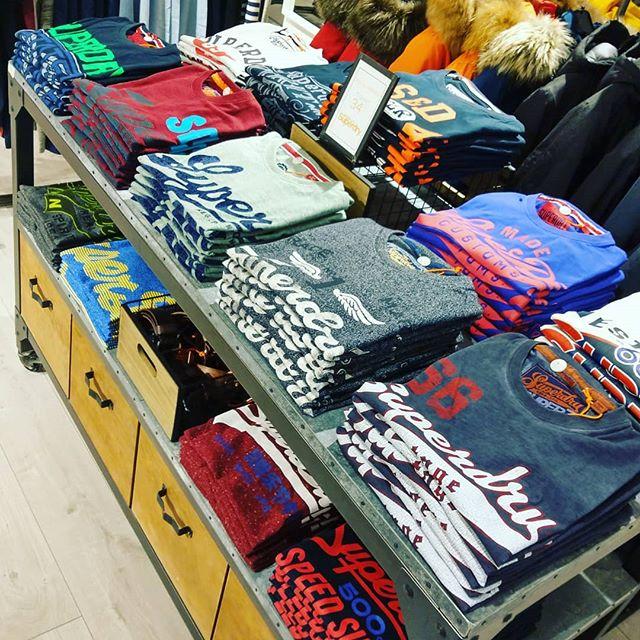 Nouveaux t-shirts #Superdry dans notre Concept Store Communitees #outletaubonne . - - #Communitees #conceptstore #casual #clothes #fashion #vintage #geneve #lausanne #fashionpics #picoftheday
