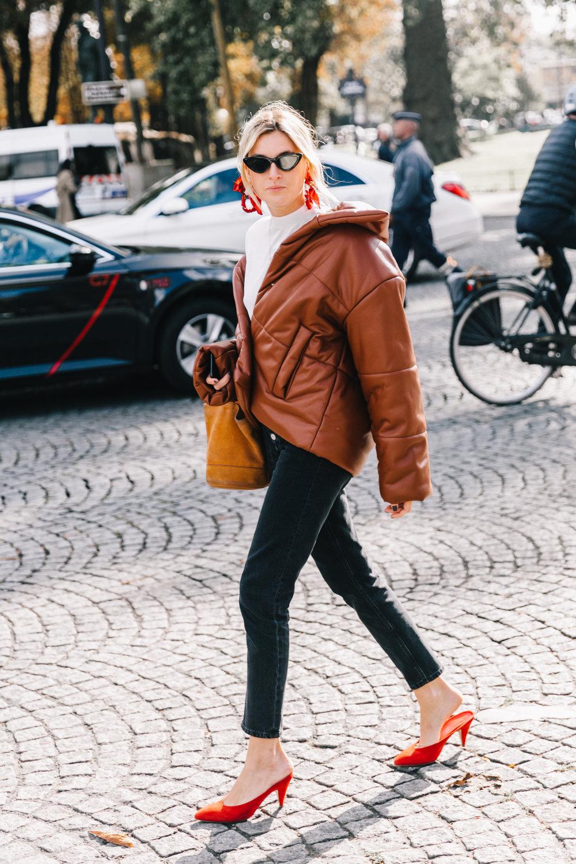 PFW-SS18-Paris_Fashion_Week-Street_Style-Vogue-Collage_Vintage-8-4.jpg