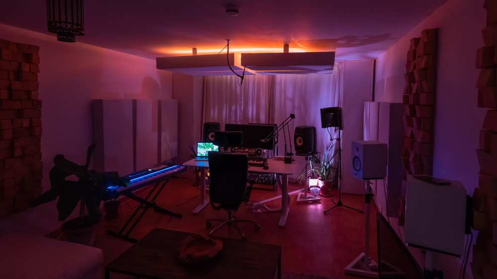Chris Lineau's Music Production Studio in Munich at Night
