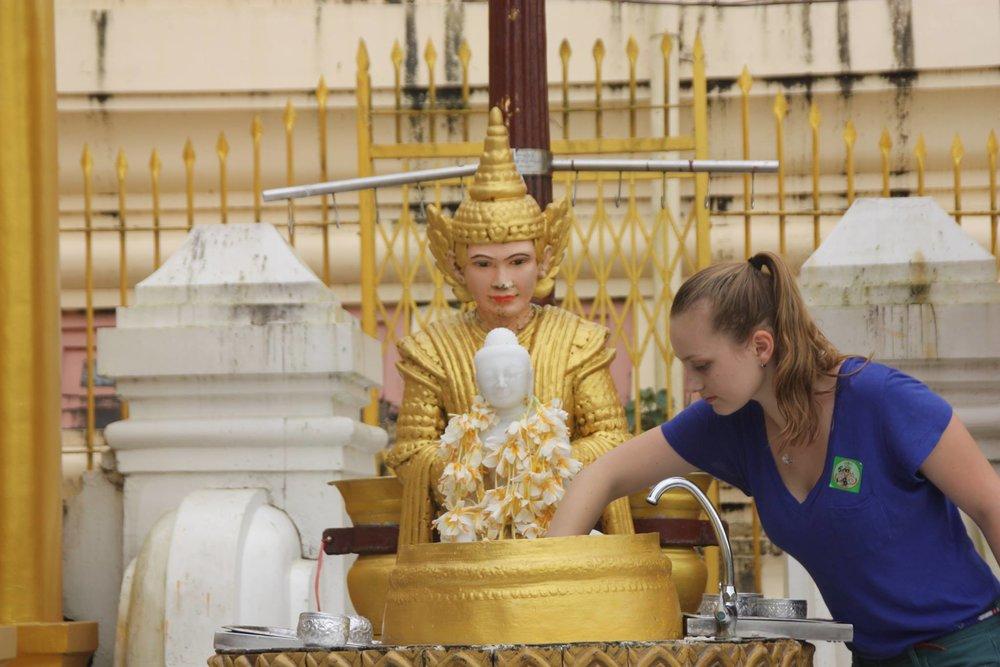 myanmar religion.jpg