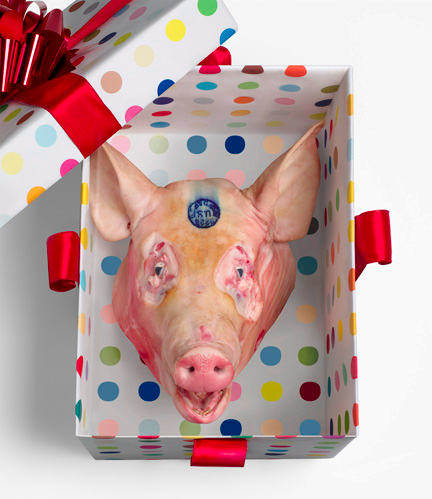 HIRST FAMILY XMAS (DETAIL:PIG'S HEAD)