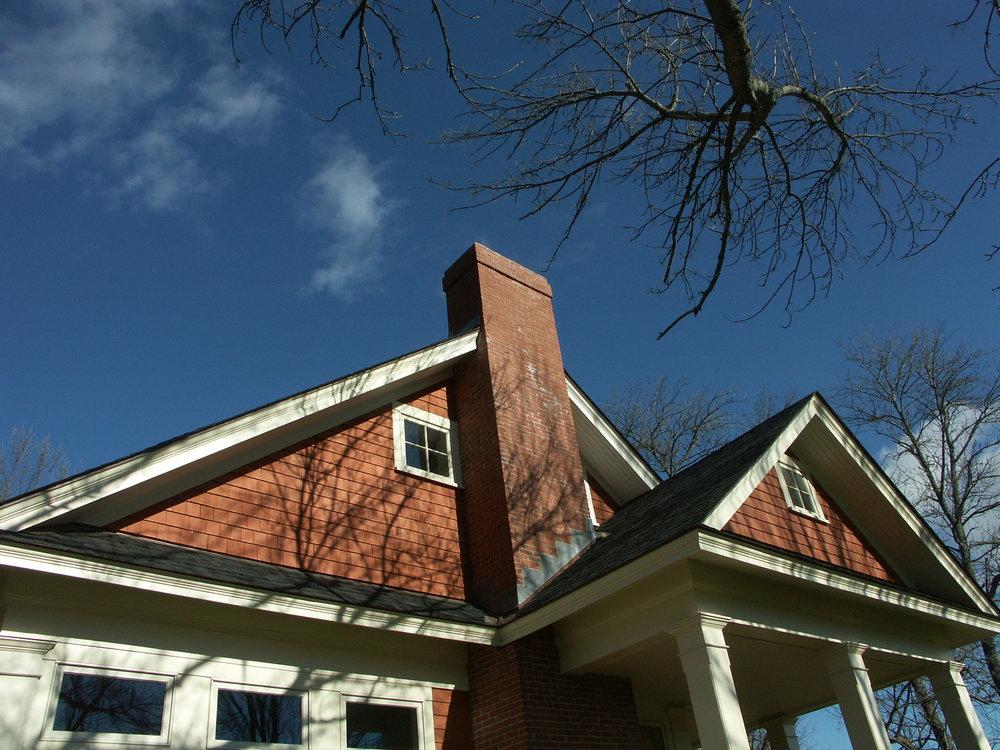 House on Pond (Auger) 004.jpg