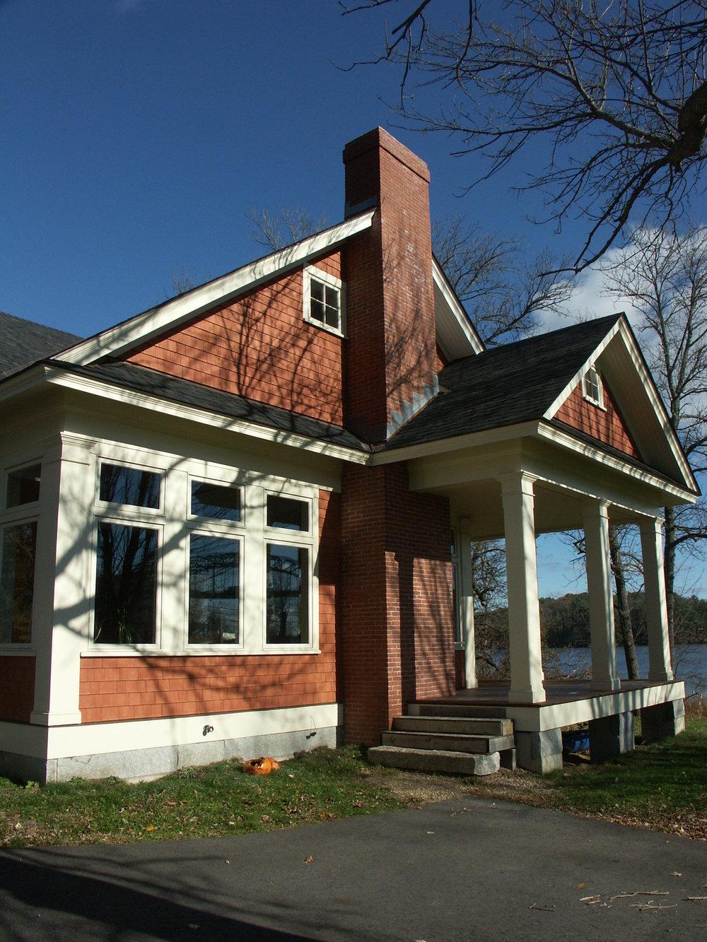 House on Pond (Auger) 002.jpg