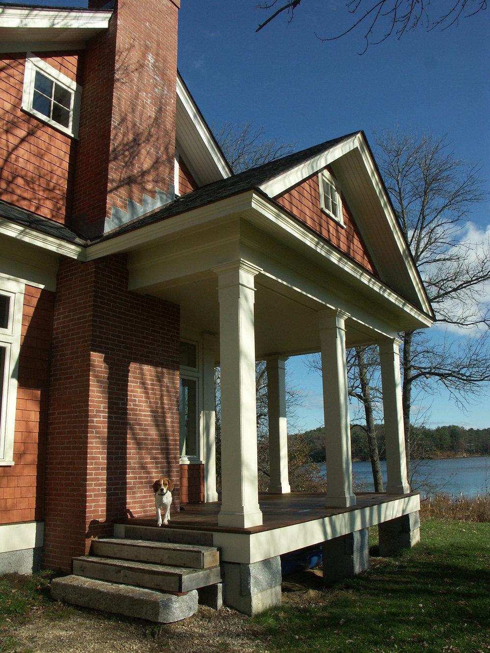 House on Pond (Auger) 008.jpg